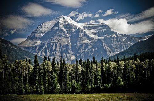 カナダの山の画像