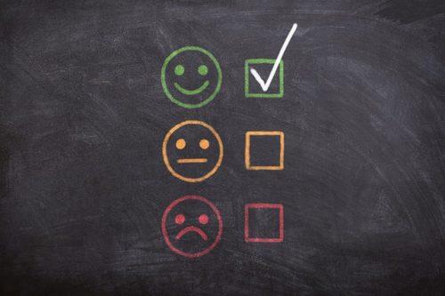 三種類の表情のどれかを選ぶ