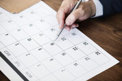 カレンダーに書き込もうとする画像