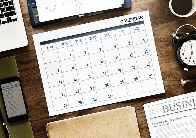 白紙のカレンダーの画像