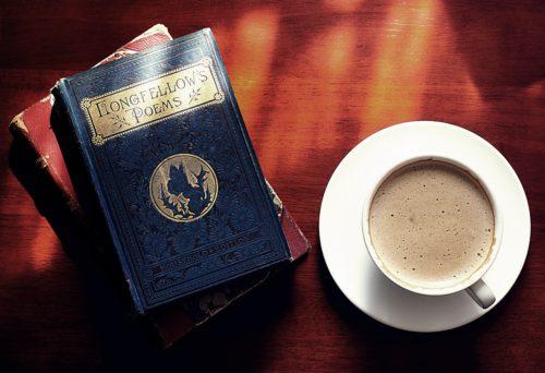 本とカフェオレ