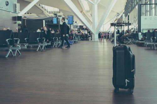 空港の出発ロビー
